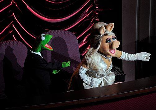 Muppets! Love Miss Piggy!