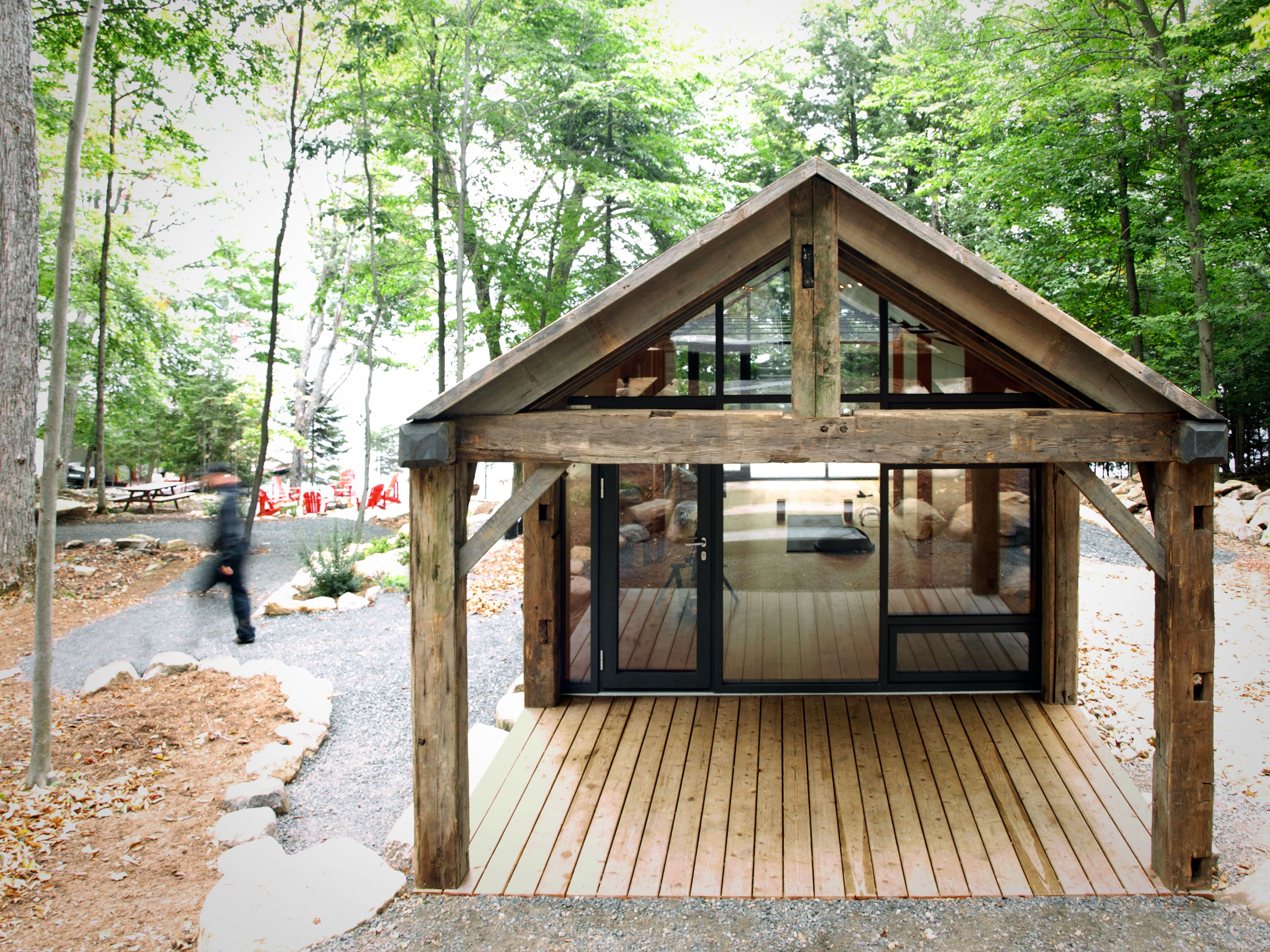 High Tech Prefab Outbuilding Is A Surprisingly Peaceful Retreat Cabin Design Yoga Studio Design Cabin