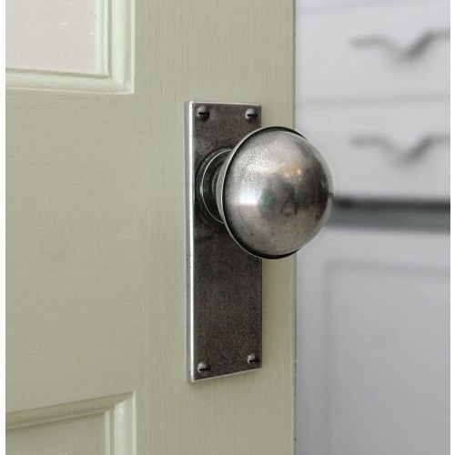 Door knobs & Pin by Reyna Lex on remodel ideas   Pinterest   Pewter Knobs and ... pezcame.com