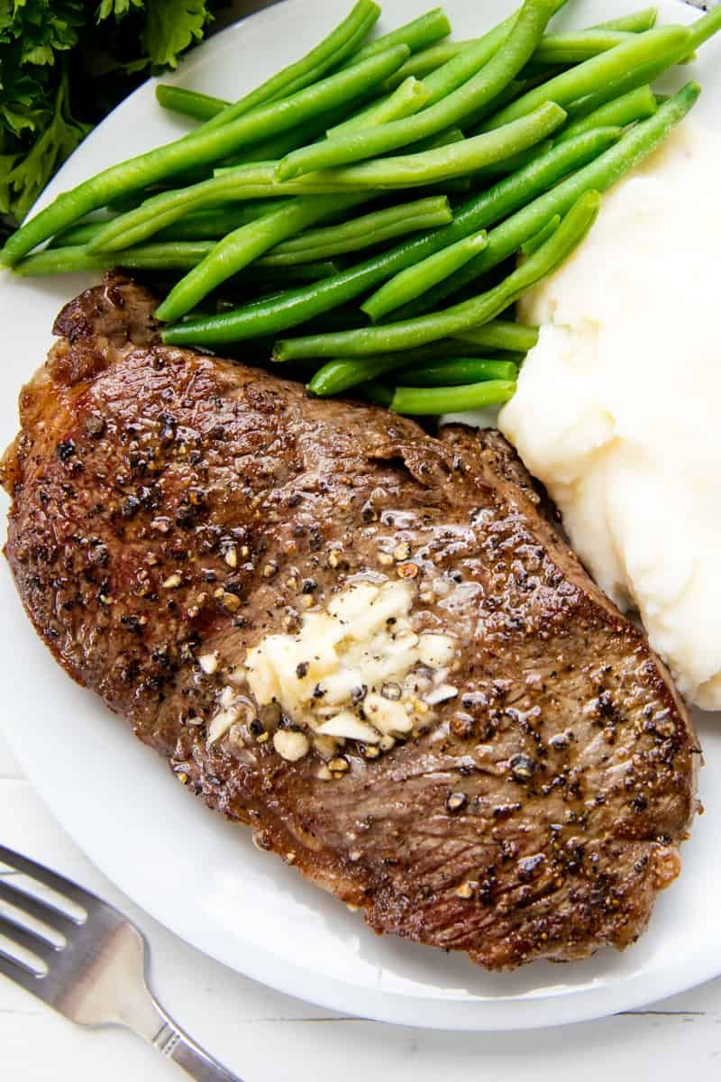 Grilled Steak Marinade With Printable Guide To Grilling Steak Recipe Grilled Steak Recipes Grilling Guide Grilled Meat Recipes