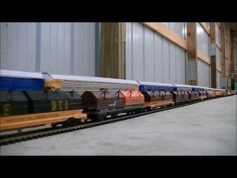 ▶ EPIC WORLD RECORD LONGEST MODEL HO SCALE TRAIN 1,662 cars 23 Locomotives - YouTube