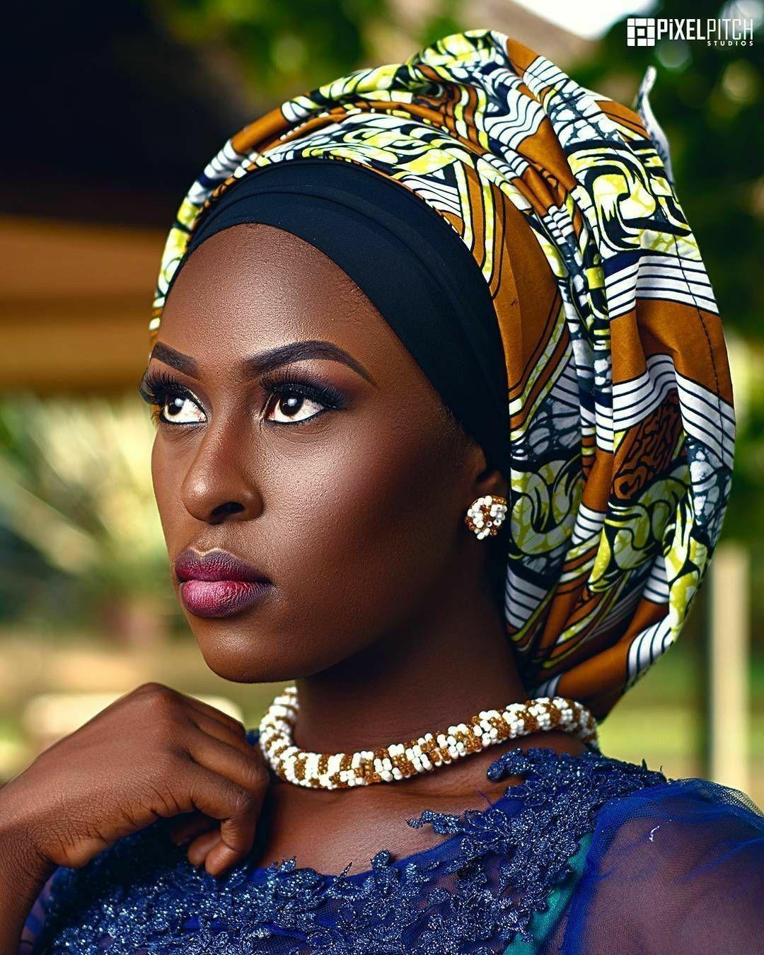 BLACK, BRIGHTNESS AND BEAUTY   Afrikanische schönheit