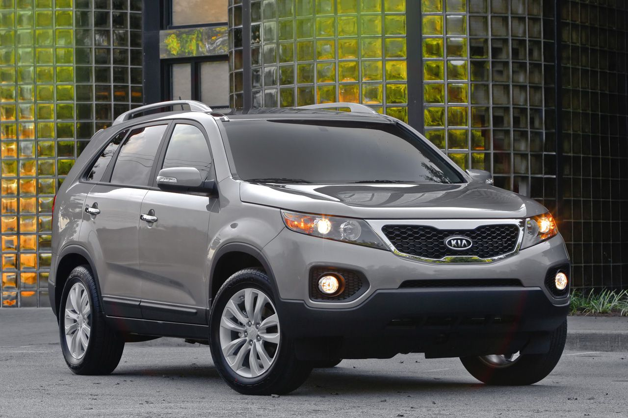 Kia Sorento 2010 2011 Service Repair Manual - Car Service,The exterior look  of the 2011 Sorento is now sleeker and has cleaner lines.