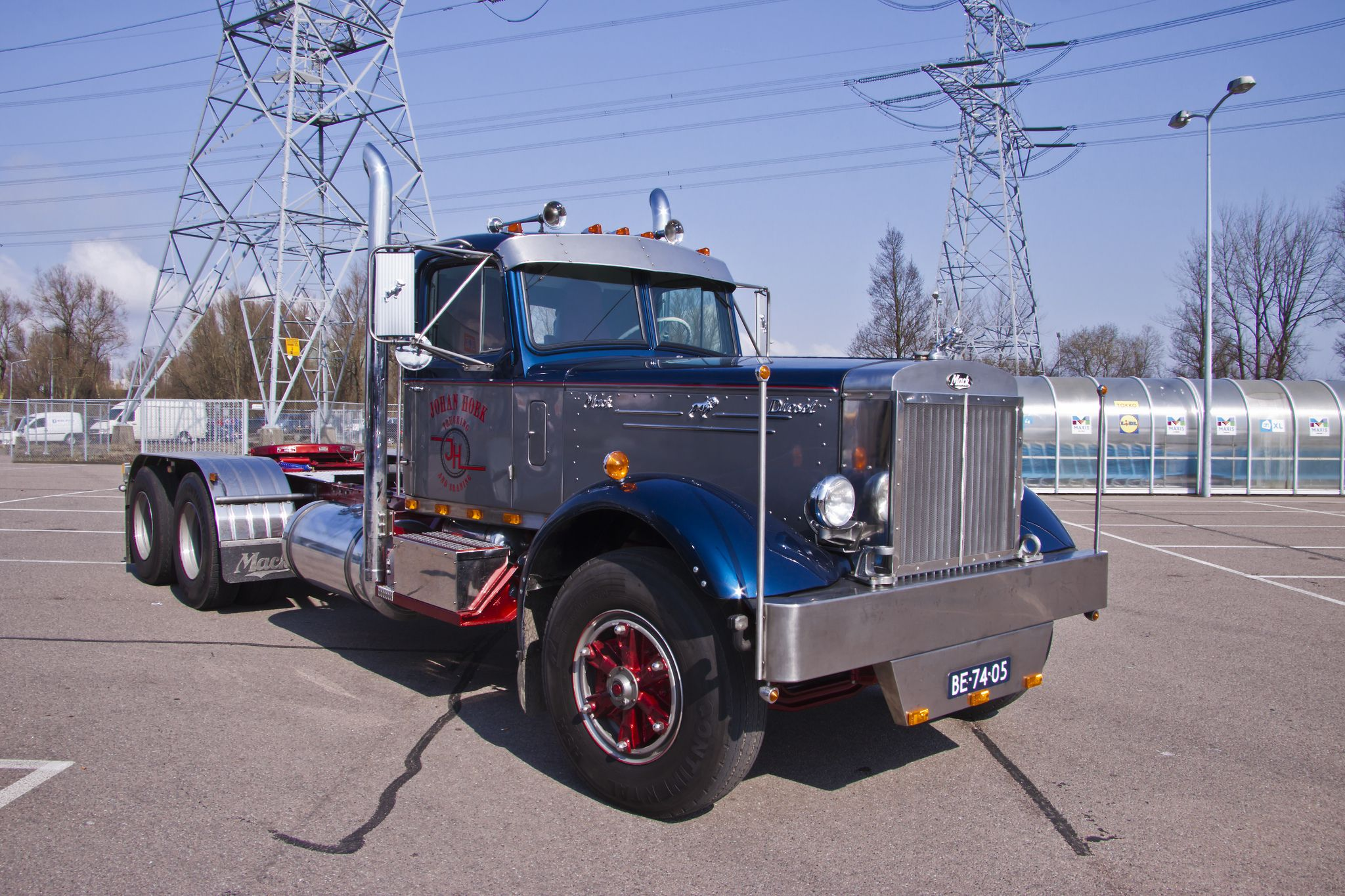 medium resolution of mack lt diesel 1954