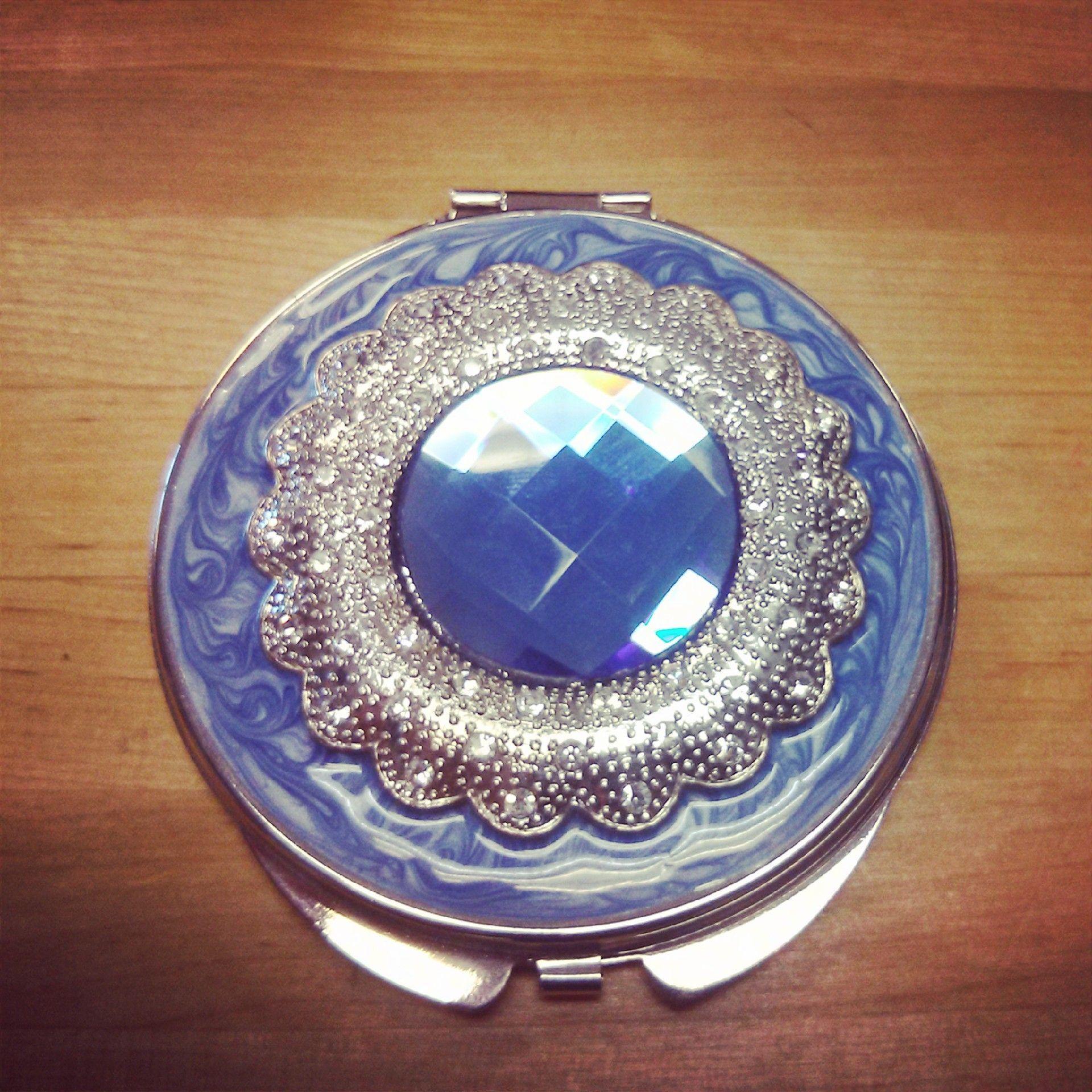Sapphire Compact $15