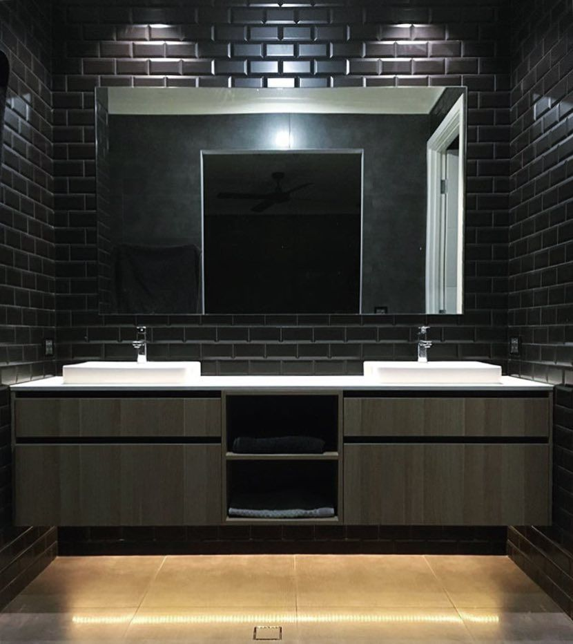 Ultimate Glam Ensuite With A Matte Black Bevel Subway Feature Thanks