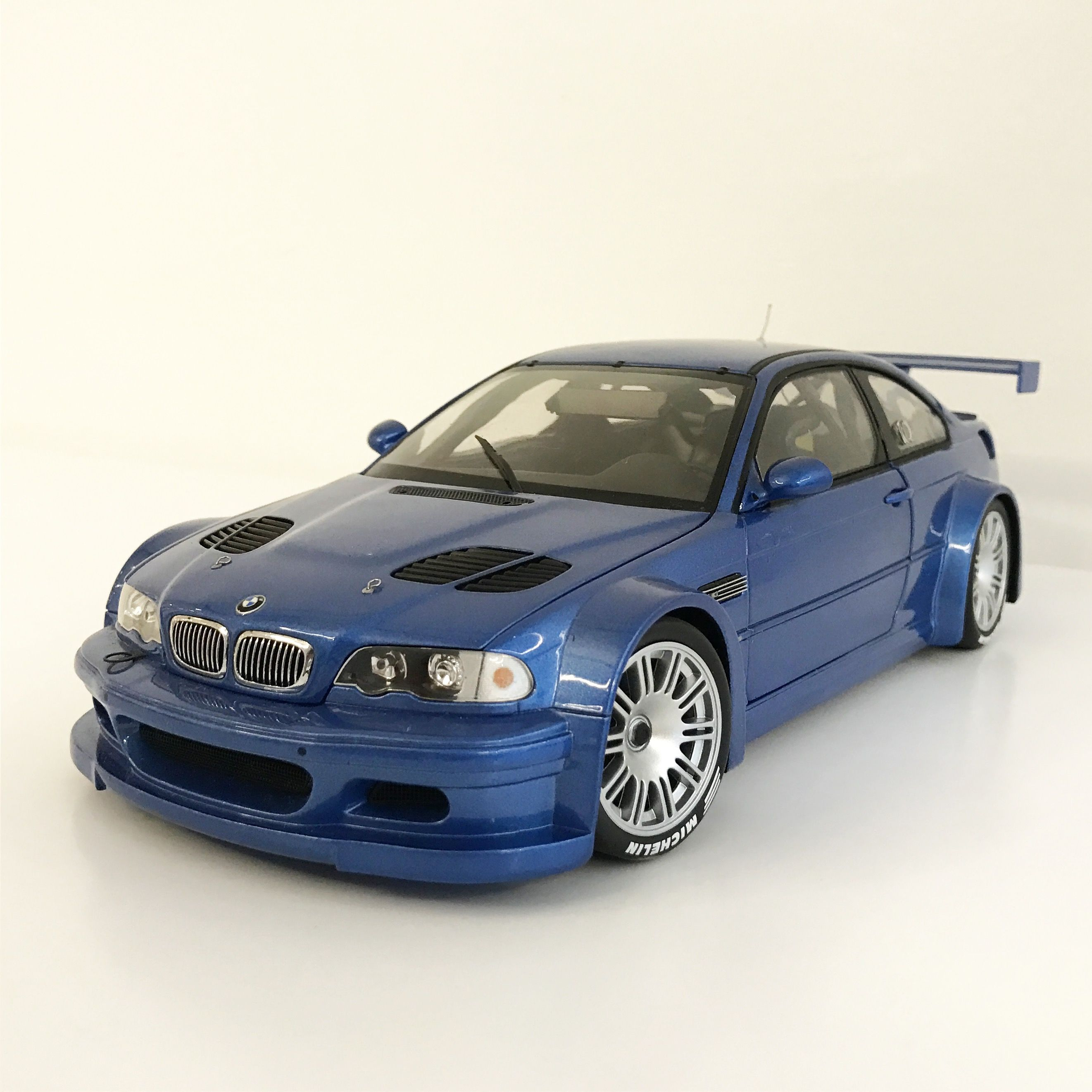 1:18 Minichamps Bmw M3 Gtr New Sealed Handsome Appearance Go Dynamic