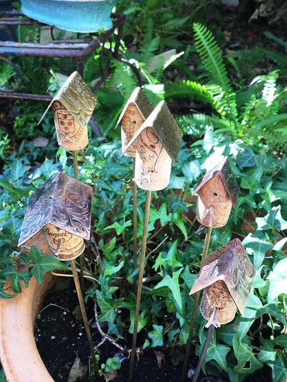 Best Cork Birdhouse Garden Stakes With Metal Roof Cork 640 x 480