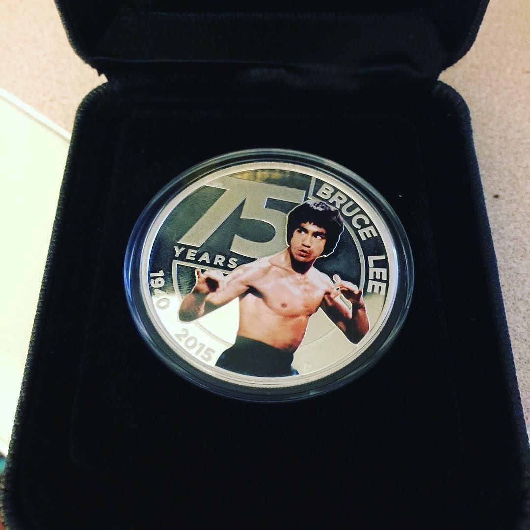 Certified full silver Bruce Lee coin. Some people know me too well... I can finally assume the full super villain character with this rolling down my fingers. Every villain and his prop. #idoportal #brucelee by portal.ido