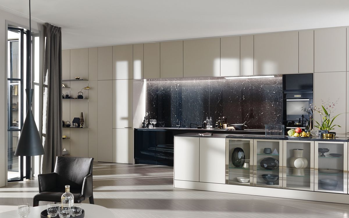 siematic k che individualdesign schwarz stadtwohnungen k che und schwarzer. Black Bedroom Furniture Sets. Home Design Ideas