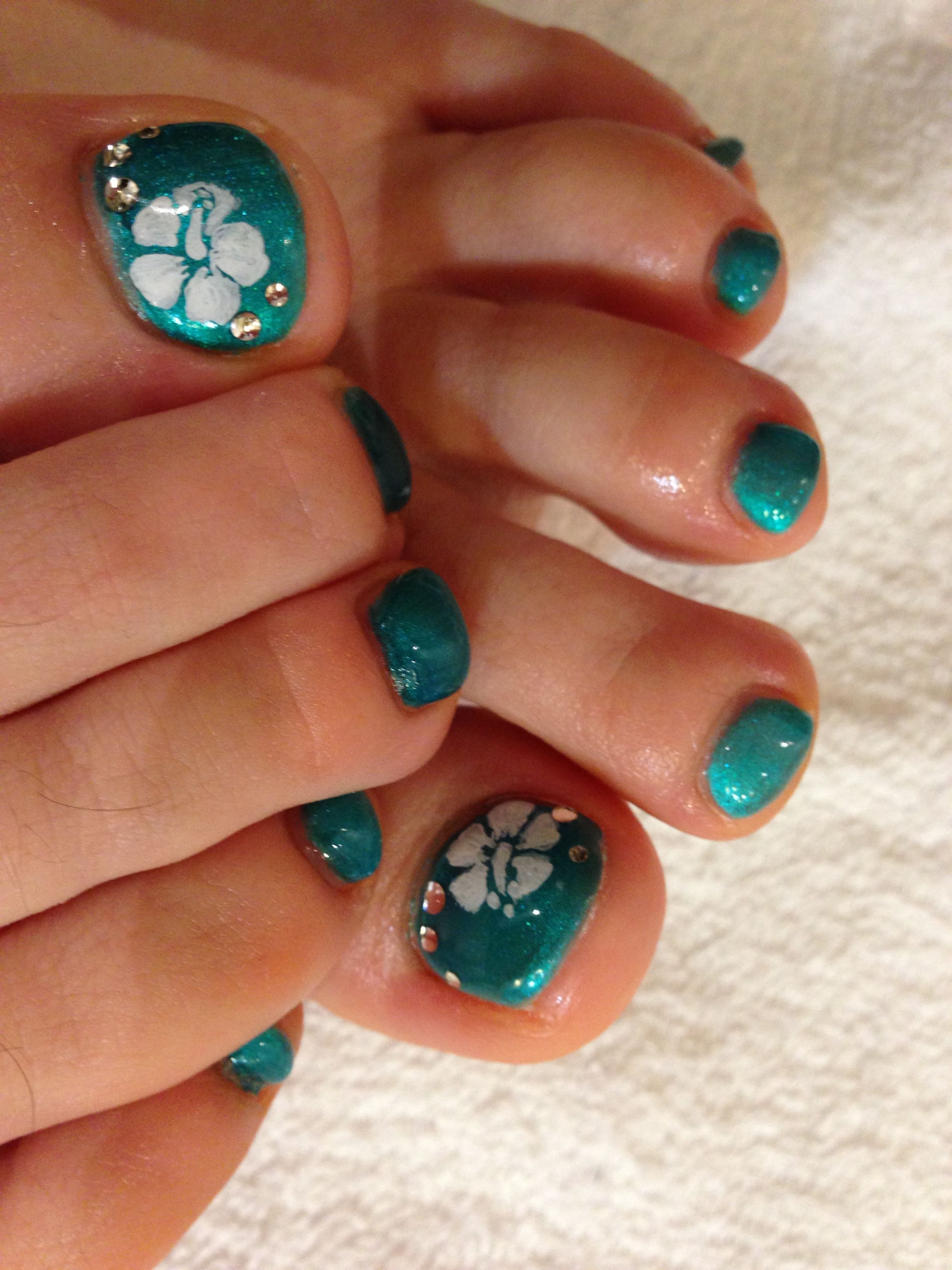 Hawaiian Nail Art Hawaiian Flower Nails Hawaiian Nails Hibiscus Nail Art