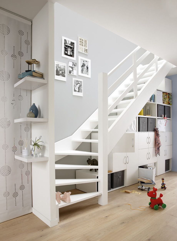 Parquet En Chene Blanchi Amenagement Escalier Rangement Sous Escalier Idees Escalier