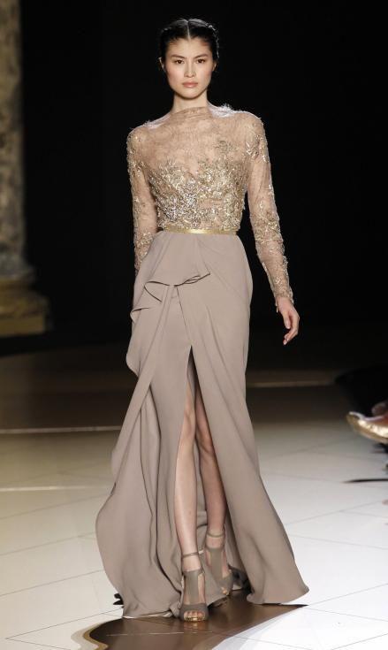 0c8591a571 Vestido color arena-nude que como vestido de novia sería sensacional ...