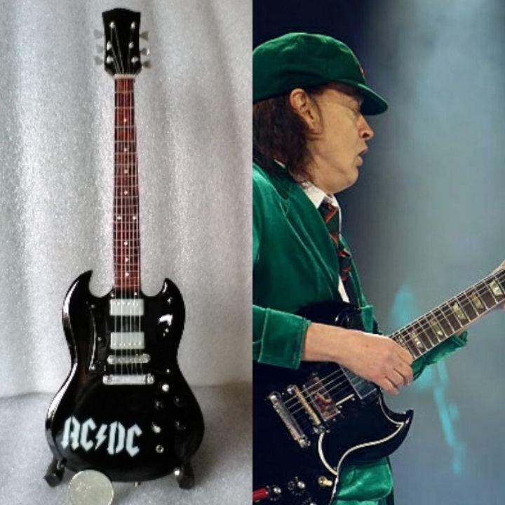 Angus Young AC//DC in miniatura mini Guitar Gibson SG