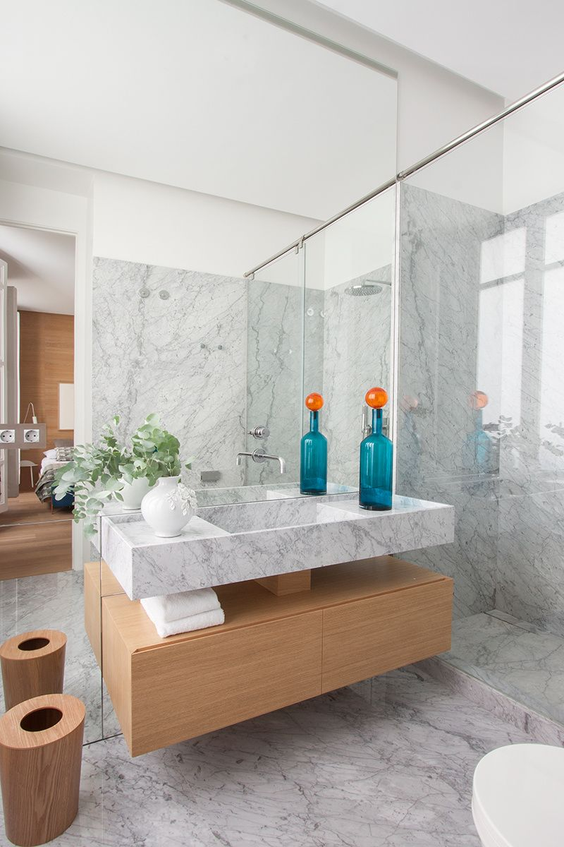 Piso burgués contemporáneo | Muebles de baño, Lavabos de ...