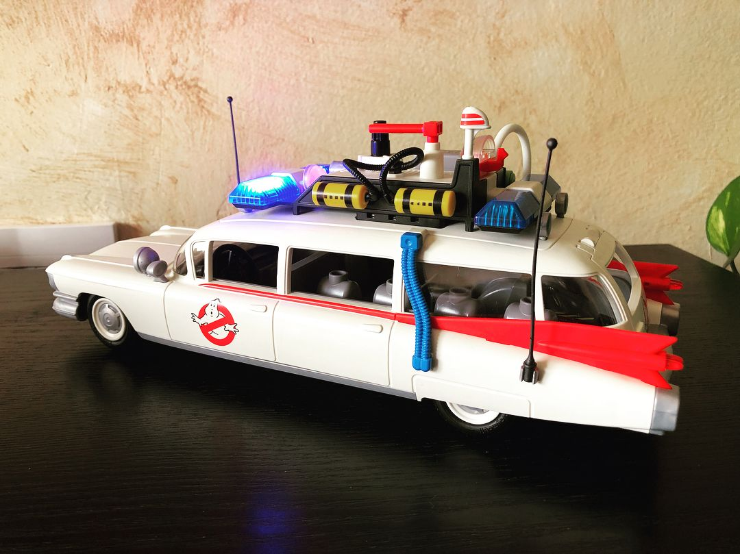 Ghostbusters toys car  ghostbusters playmobil cazafantasmas toys juguetes  Paintings