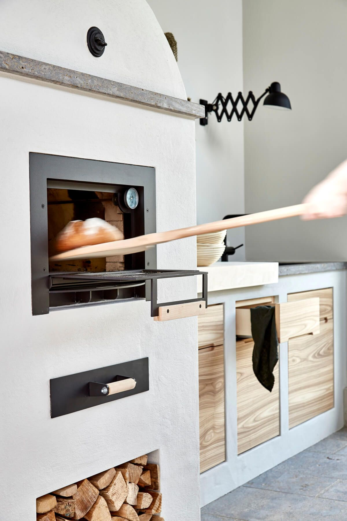 Landhaus Küche mit Ofen - Einrichtungsideen im Landhausstil ...