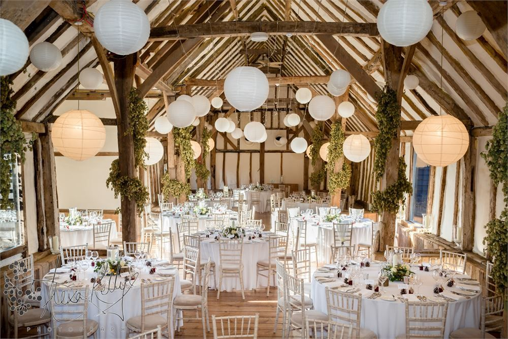 The Best Uk Barn Wedding Venues Barn Weddings Barn