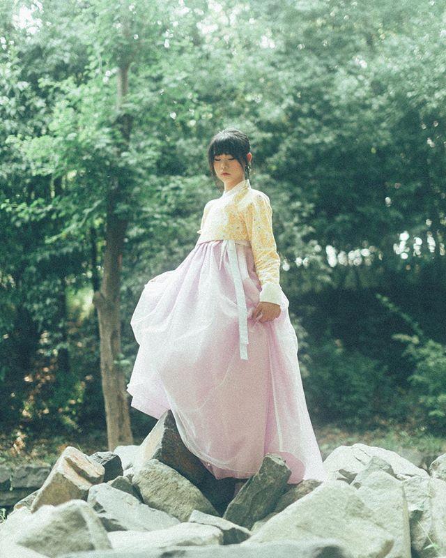석덕규 시리즈 한복은 #금의재  #한복 #hanbok #hanbokkorea #한복스타그램 #생활한복 #모던한복 #한복화보 #한복사진 #여행한복 #한복여행 #감성사진 #일반인화보 #사진 #스냅 #인물 #감성 #스냅촬영 #portrait #photo #photograhp #인물사진 #pictorial