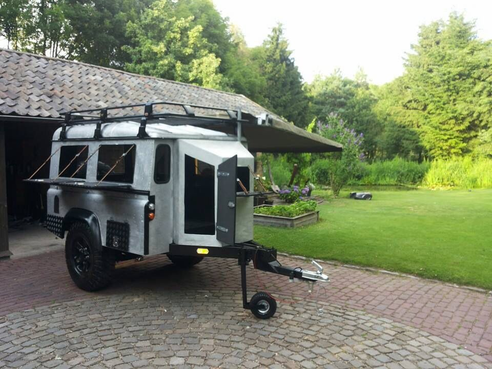Camp/utility trailer - looks like Land Rover Defender/Series parts ...