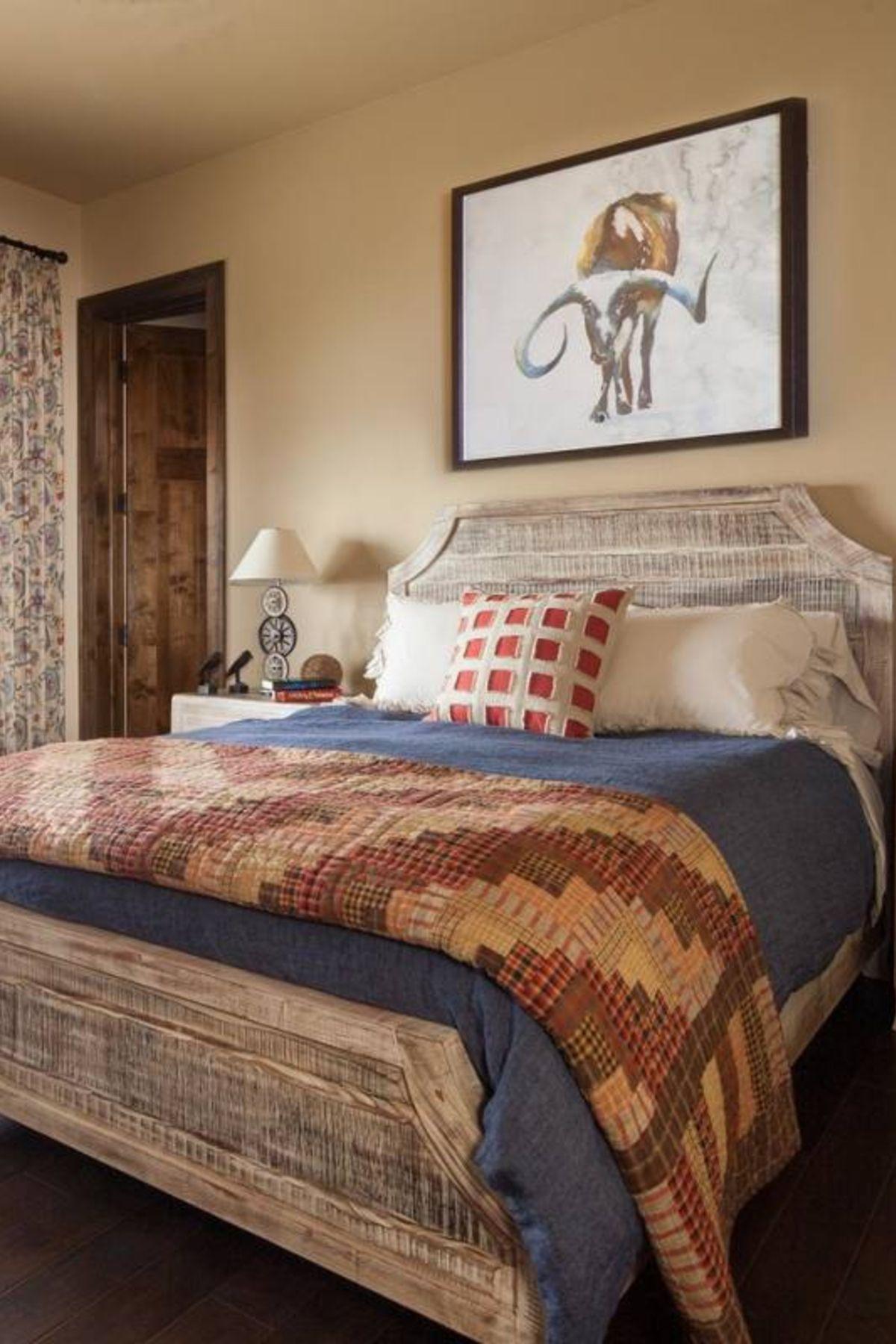 Rustic Romantic Bedroom Ideas: 39+ Guest Bedroom Decor Ideas