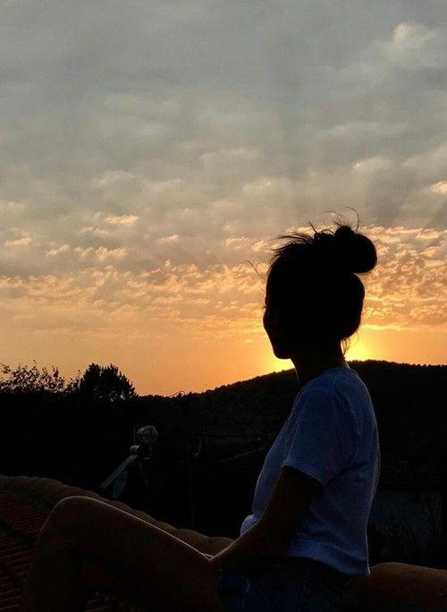 Anime Girl Looking At Sky Wallpaper Source Elcin Sangu Instagram Story Sunset Kiralik Aşk