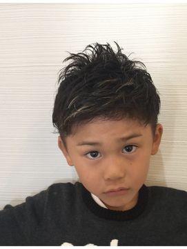2016男の子 ツーブロック髪型集(ヘアスタイル 子供 こども