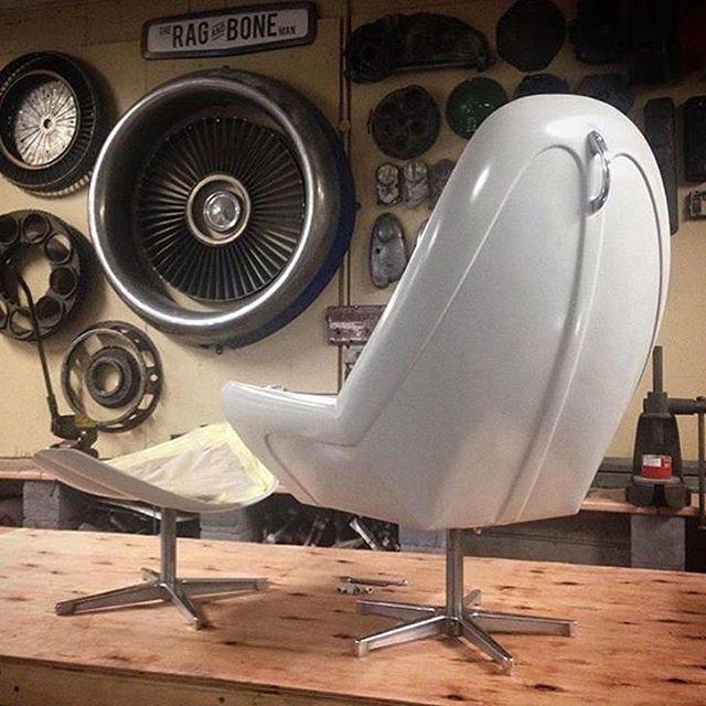 pingl par tk101 sur bachelor pad pinterest d co garage canap fauteuil et meuble deco. Black Bedroom Furniture Sets. Home Design Ideas