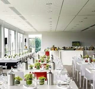 Atlantic Hotel Galopprennbahn Decor Table Decorations Hotel
