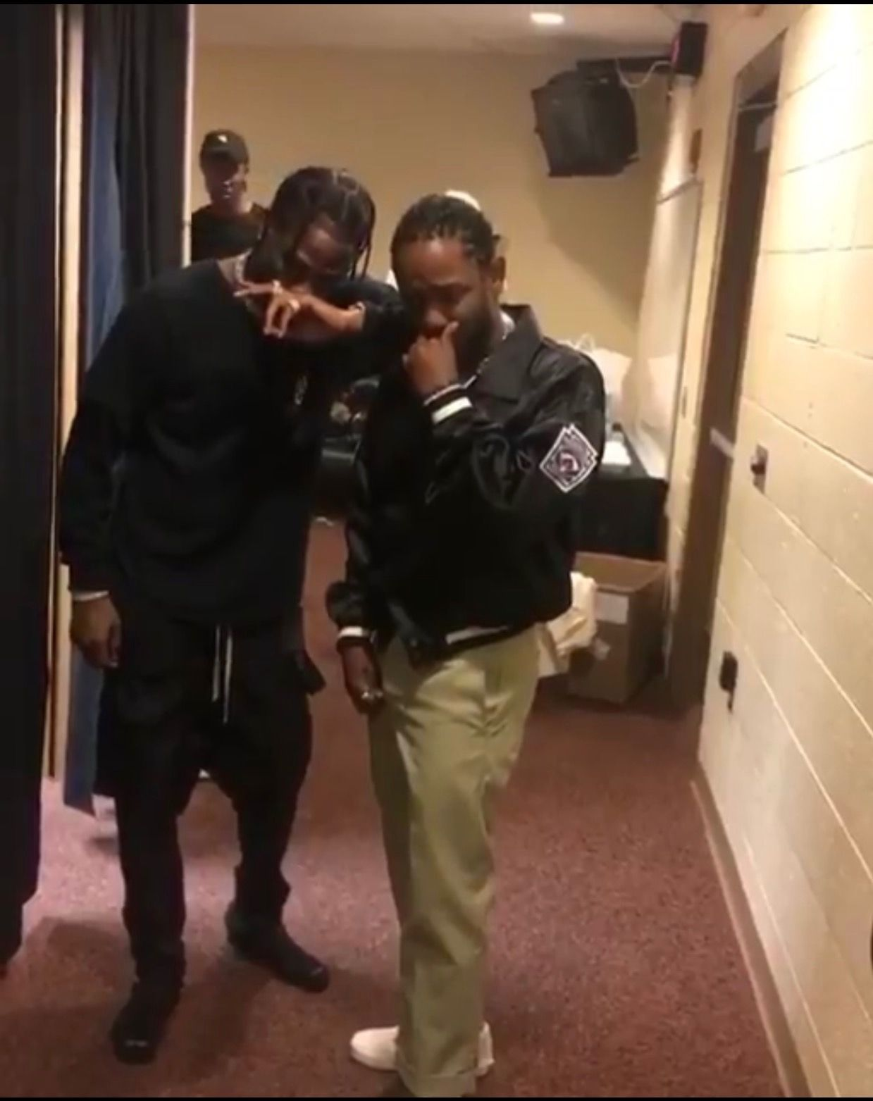 Travis Scott, Kendrick & Bizzy BackStage Music Private