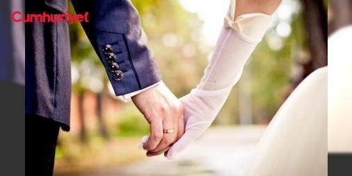 FETÖ kataloğu ile evlendiği iddia edilen karı kocaya:13 yıl ceza: Kayseri'de FETÖ/PDY terör örgütü soruşturması kapsamında tutuklanan ve örgütün katalog seçimlerinden evlendikleri ve by lock kullandıkları iddiasıyla tutuklu yargılanan karı kocaya toplam 13 yıl 9 ay hapis cezası verildi.