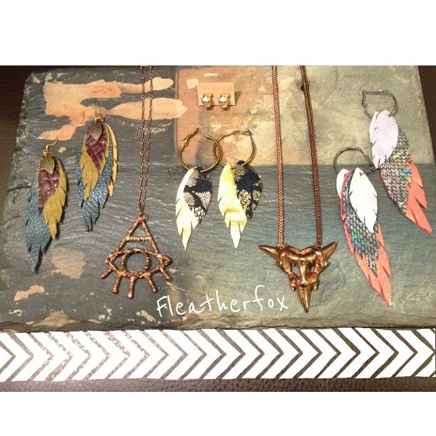 New @Linda Smyth #jewelry #rosegold #fleatherfox The #sharktooth arrow pendant  Web Instagram User » Followgram