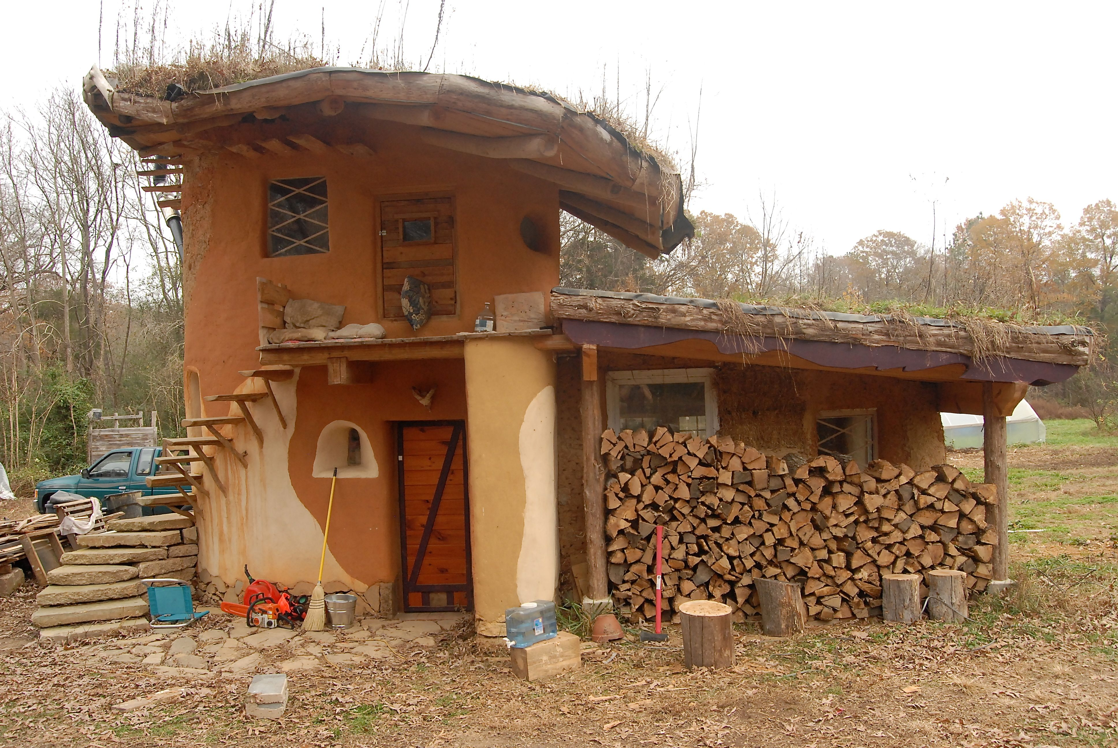 Earthen acres cob house permaculture pinterest house for Cob home designs