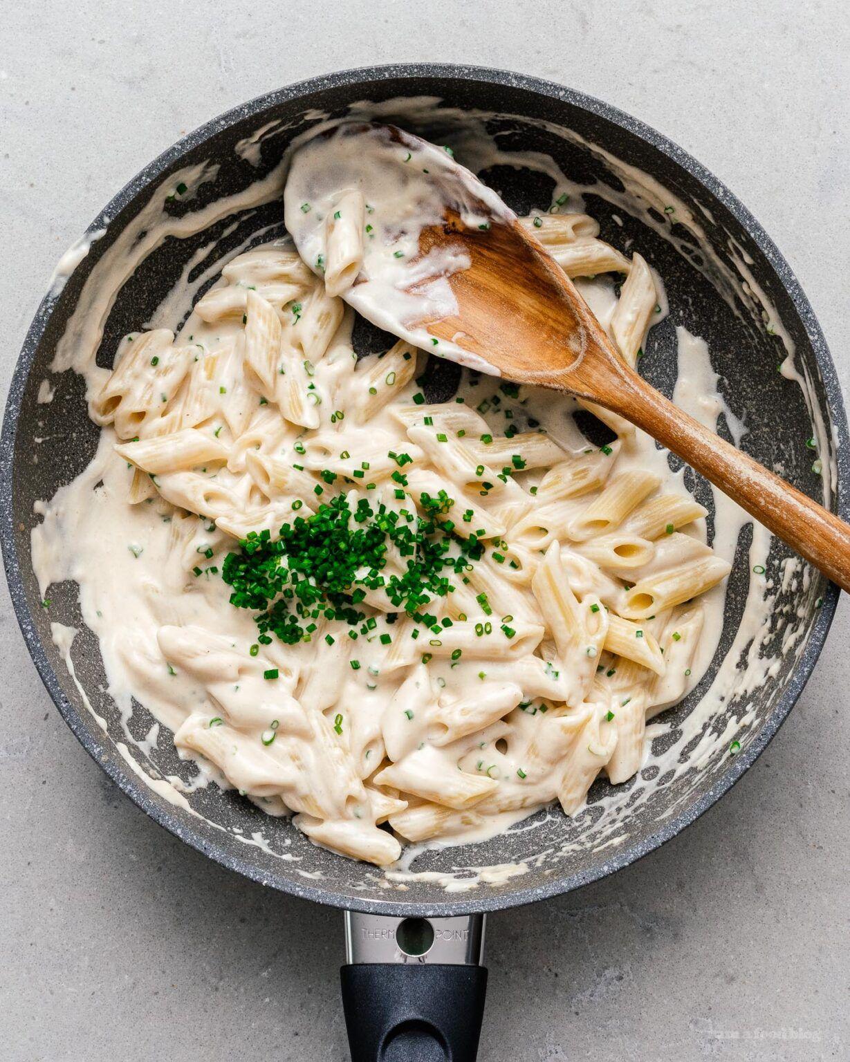 Sour Cream And Onion Pasta I Am A Food Blog I Am A Food Blog In 2020 Food Sour Cream And Onion A Food