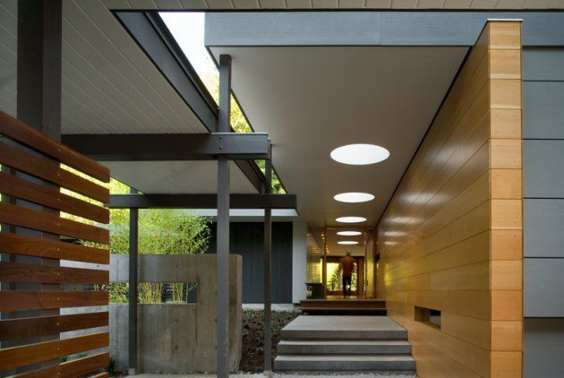 mid century entry courtyard  | The Woodway Residence, Seattle, WA, redesigned 1950's mcm, Bohlin ...