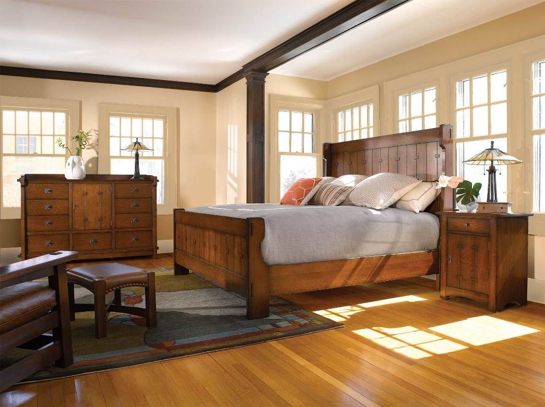 the light wood stain on this stickley bedroom set and plenty of