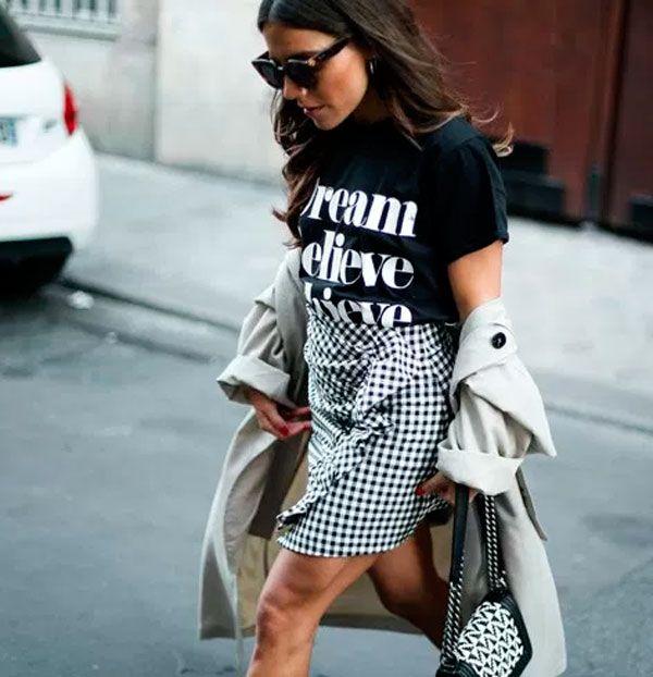 Misture com uma t-shirt e o look fica ultra cool.
