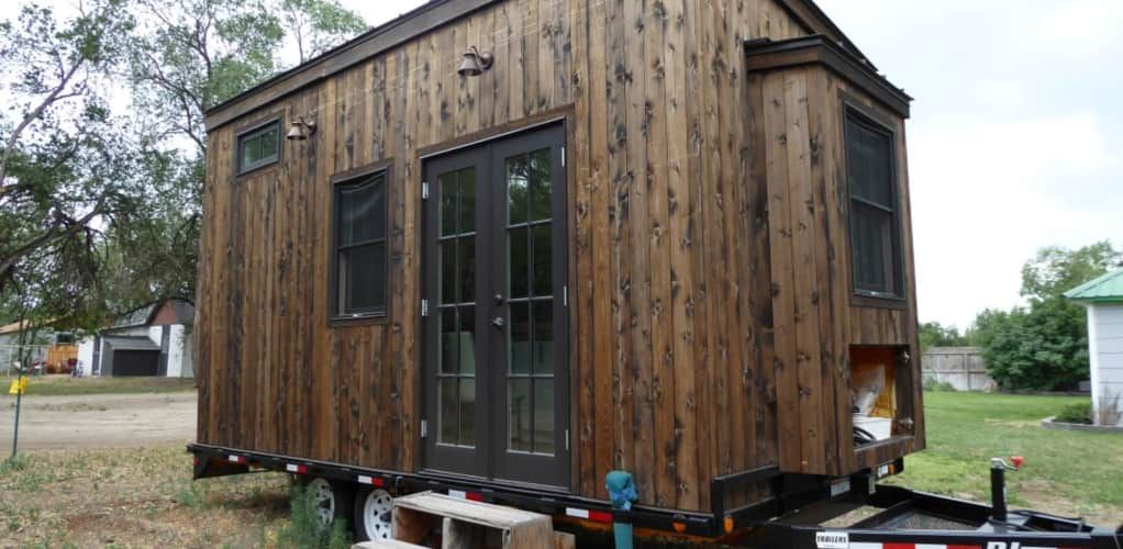35 000 Light And Bright Tiny Home Ready For Permanent Setup Tiny House For Sale In Montrose Colorado Tiny Houses For Sale Tiny House Tiny House Listings