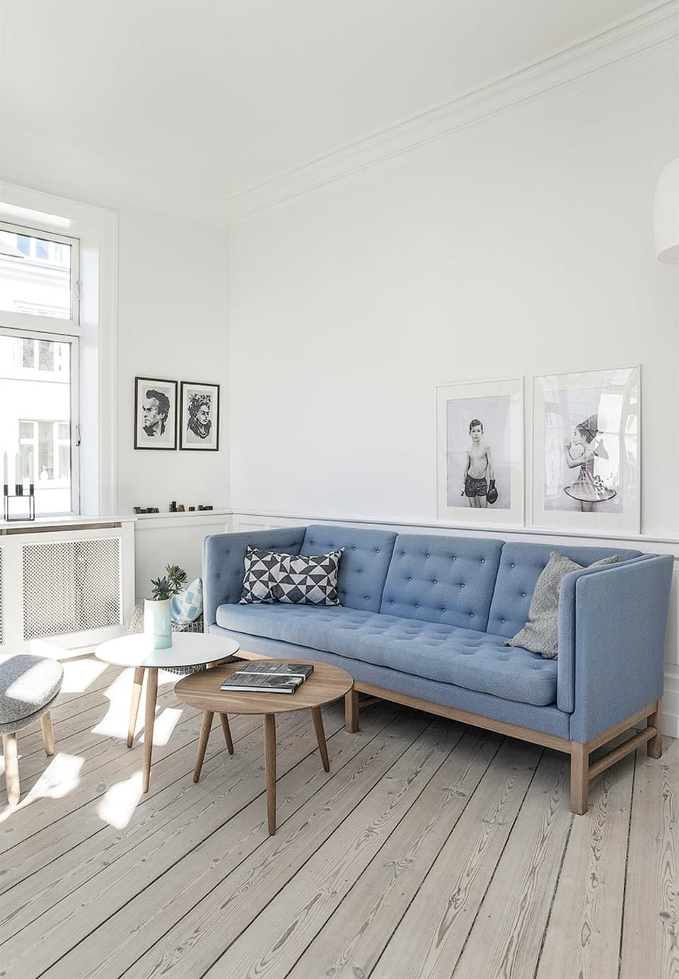 Stylish living room with a flexible look. Sofa from Erik Jorgensen ...