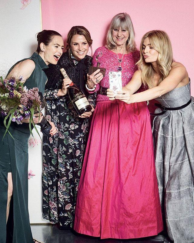 #Countdown: 2 måneder til ELLE Style Awards 2017  Har du købt billet til årets største modefest den 23. maj i DR Koncerthuset? Køb billet på  ELLE.dk/billet (link in bio) #ELLEStyleAwardsdk #ESA #countdown  via ELLE DENMARK MAGAZINE OFFICIAL INSTAGRAM - Fashion Campaigns  Haute Couture  Advertising  Editorial Photography  Magazine Cover Designs  Supermodels  Runway Models