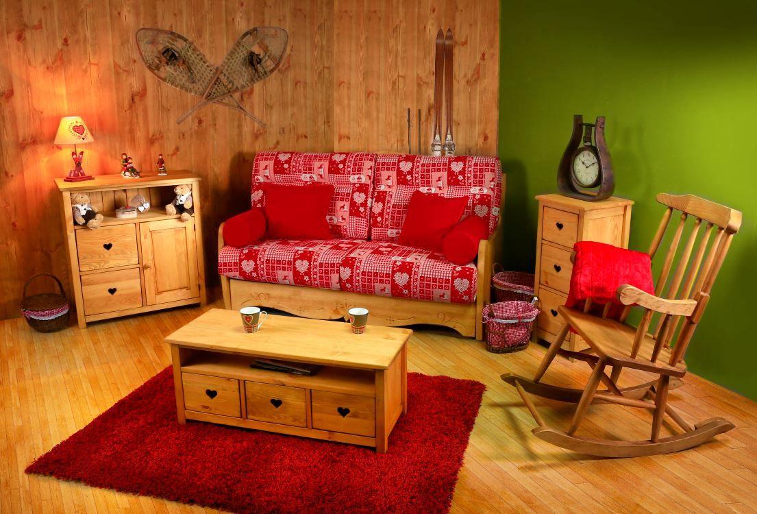 Canape En Bois Et Tissu Rouge Fauteuil A Bascule En Pin Pour Une Ambiance Salon Montagnard Mobilier De Salon Canape Gigogne Canape En Bois