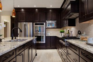Traditional Custom Home Wooden Kitchen Cabinets Brown Kitchen Cabinets Kitchen Design