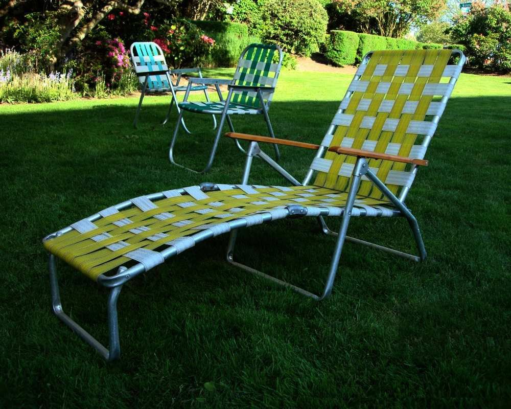 Great Mid Century Aluminum Chaise Lounge Folding Lawn Chair Aluminum And Yellow  Webbing 60s Retro