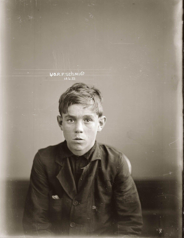 Author Fredrick Schmidt >> Mug Shot Of Ronald Frederick Schmidt 13 June 1921 Location And
