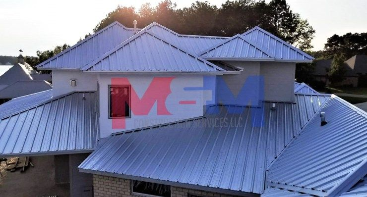 Licensed Contractor Serving Mississippi We Specialize In Metal Roofing Custom Decks And Much More Gallery With Images Construction Services