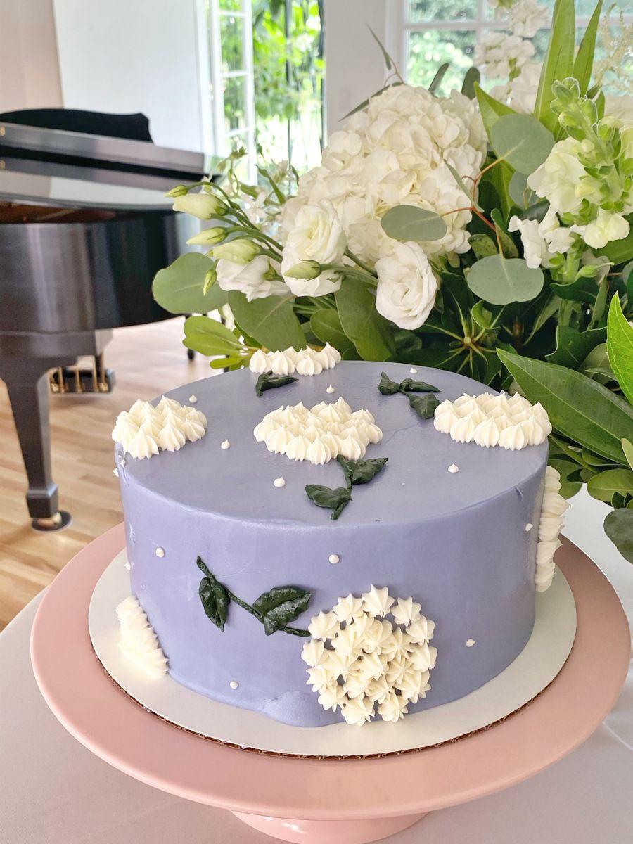 #cake #flowercake #hydrangea #periwinkle #birthdaycake #birthday #floralcake