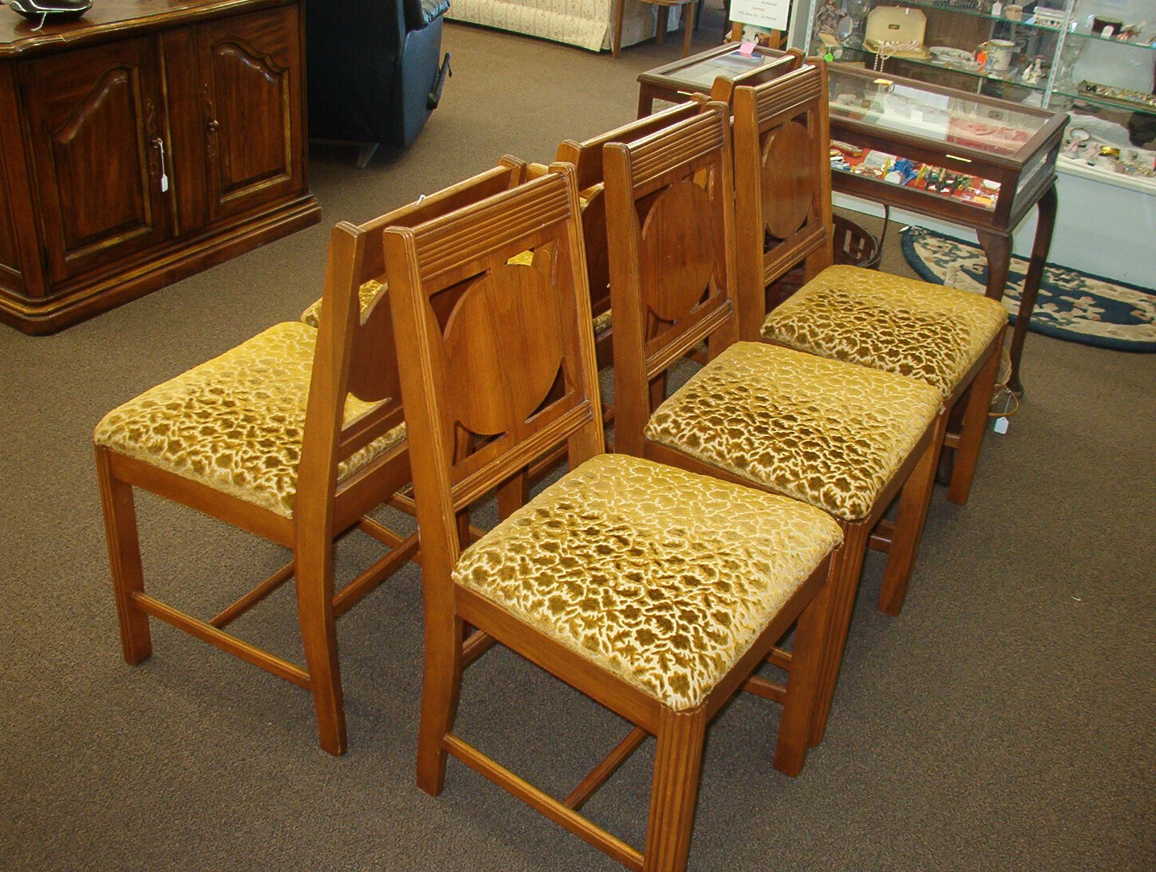 Very Nice Set Of 6 Vintage Dining Room Chairs There Is 1 Arm Chair And