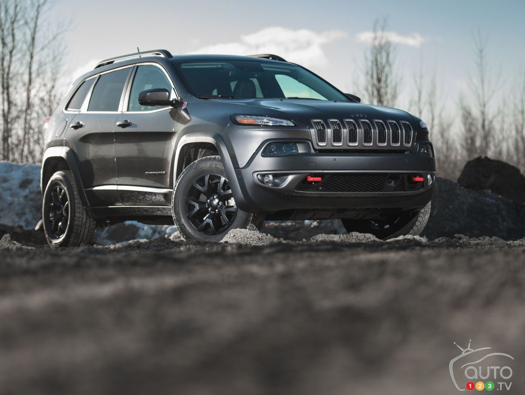 2015 Jeep Cherokee Trailhawk 4x4 Review Editor S Review Auto123 Jeep Cherokee Trailhawk Jeep Cherokee 2015 Jeep