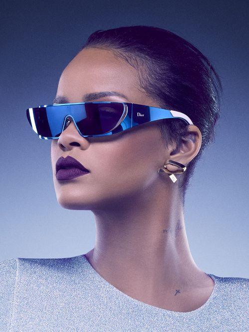 Hot News   la collab Dior x Rihanna   CELEB.POP-RIHANNA   Pinterest ... d2ca0c6e8577