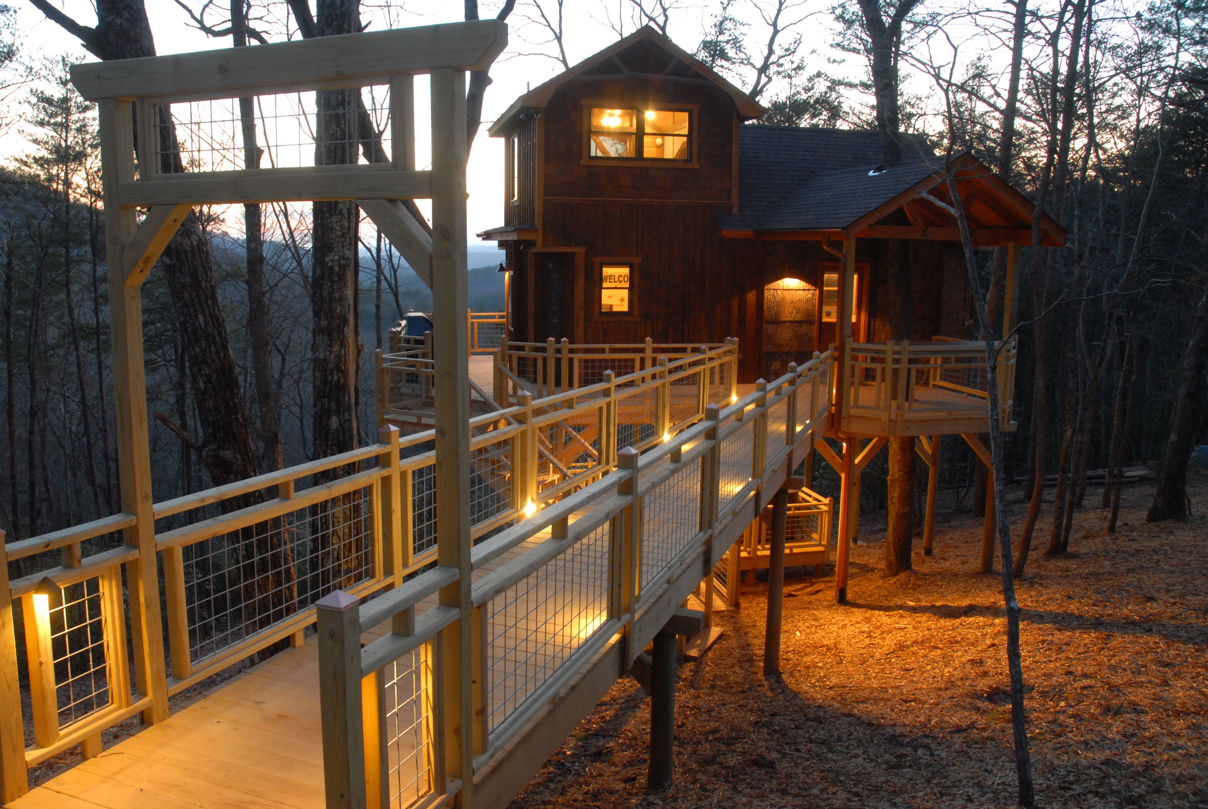 Stay In A Treehouse For Your Next Vacation With Blue Ridge Treehouse Rentals In Beautiful Blue Ridg Tree House Stay In A Treehouse Blue Ridge Mountains Georgia